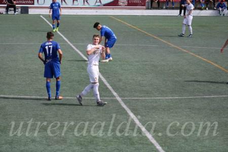 Domingo besando el escudo tras uno de sus goles